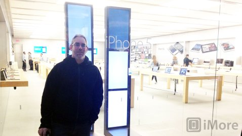 iPhone 5 launch live from Apple Store Montreal