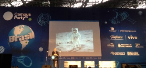 IMG 1858 520x245 Buzz Aldrin remembers the moons magnificent desolation as he calls for missions to Mars